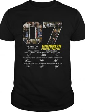 7 Years Of Brooklyn Nine Nine Signature t-shirt