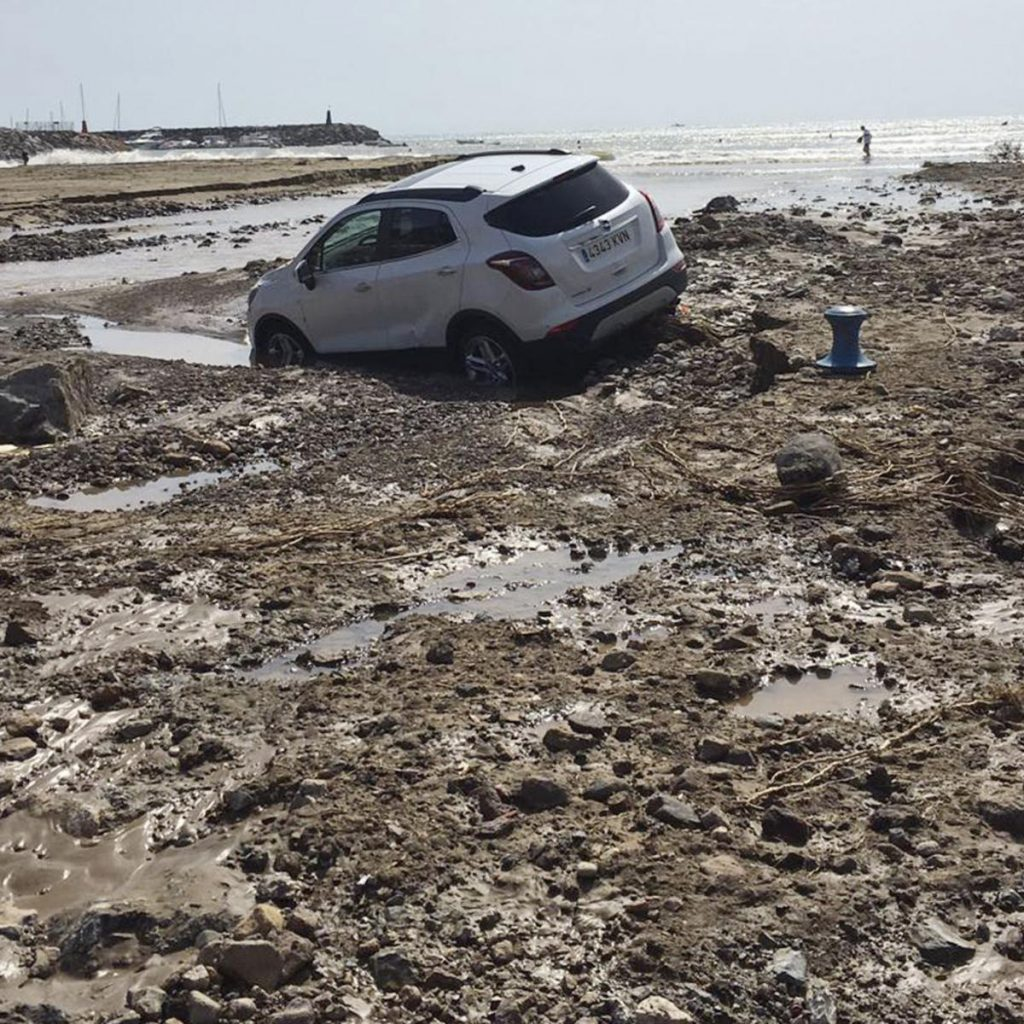 Three dead as extreme weather batters southeastern Spain