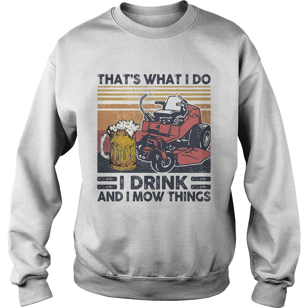 I fought the lawn and the lawn won vintage retro  Sweatshirt