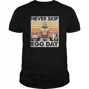 Weightlifting never skip egg day vintage retro  Classic Men's T-shirt