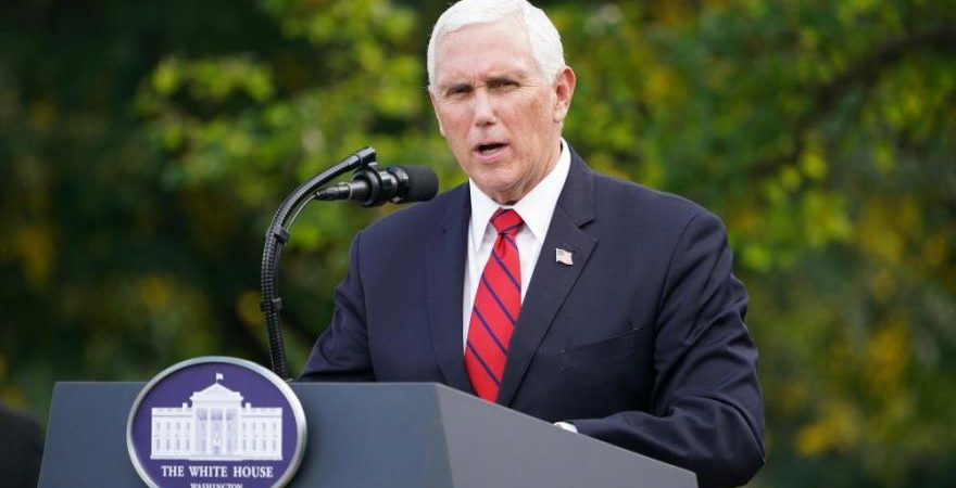 Commission to allow Pence to debate without plexiglass barriers around him
